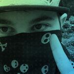 """MC Hackudão e DJ Kali Linux, com os hits como """"To invadindo todo mundo"""" e """"Hacker de favela""""."""